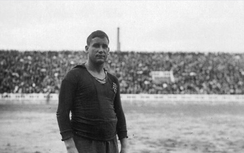 Tiền vệ Agusti Sancho