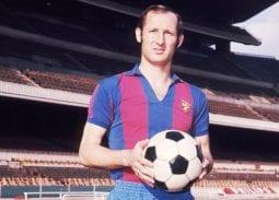 Trung vệ thép Galleo Barcelona